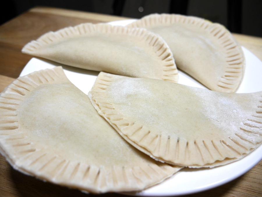 Cuban vegan food, Spinach empanadas, empanada recipe, vegetarian empanadas, vegan empanadas, easy empanada recipe, empanada filling, veggie empanadas, vegetarian empanada recipe, air fryer recipes, Spanish empanadas recipe, chicken and spinach, vegan empanada recipe, spinach, empanadas, spinach recipes, vegan recipes, vegetarian, vegan, easy vegan recipes, Cuban food, spanish food, Cuban food recipes, Cuban recipes, spanish recipes, how to make empanadas, air fryer, healthy air fryer recipes, latin recipes
